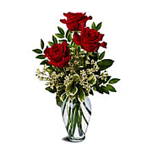 Three Red Roses Bunch: Romantic Gifts to Australia