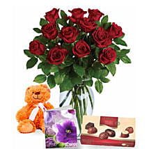 Valentine Love Expression Combo: Valentine's Day Gift Delivery in Australia
