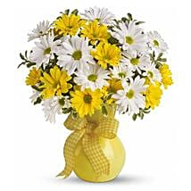 Bright Sunshine: Anniversary Flower Delivery in Canada