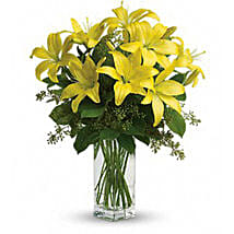 Charming Yellow: Send Birthday Flowers to Canada