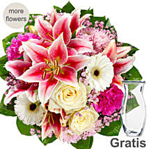 Pink And White Mix Flower Bouquet: Mothers Day Gifts Germany