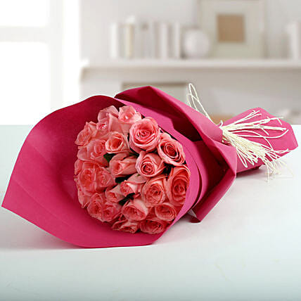 Cute pink roses bunch gift pink rose flower bouquets ferns n petals cute pink roses bunch mightylinksfo