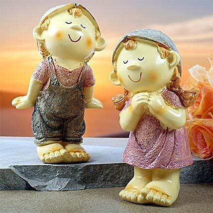 Cute Resin Figurine Couple