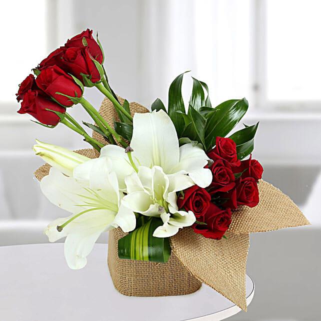 delightful flowers vase arrangement gift flower bouquet