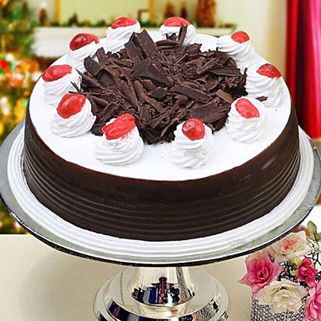 Eggless Blackforest Cake Half Kg by FNP
