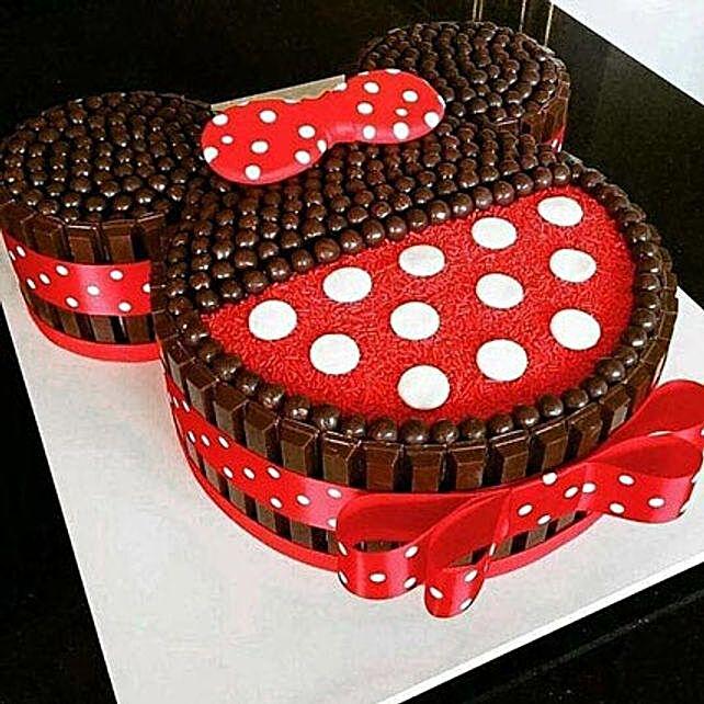 Minnie Mouse Kit Kat Cake 4kg