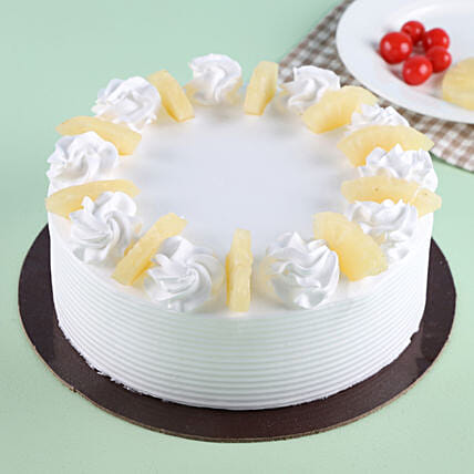 Pineapple Round Cake 1kg Eggless