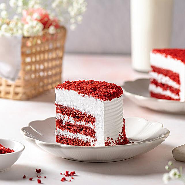 Red Velvet Fresh Cream Cake 1kg