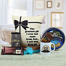 A Yummy Treat for Daddy: Send Gift Baskets to Jaipur