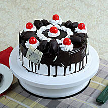 Black Forest Gateau: New Year Cakes to Kanpur