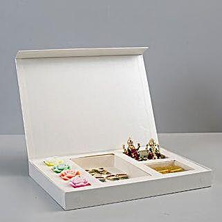 Box of Chocolates & Diwali Decorations: Diwali Gifts to Delhi
