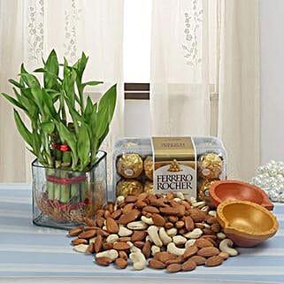 Classy Diwali Hamper: Order Plants n Chocolates