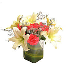 Contemporary Elegance: Send Romantic Flowers for Husband