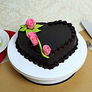 Creamy Heart Truffle Cake: Send Valentines Day Designer Cakes