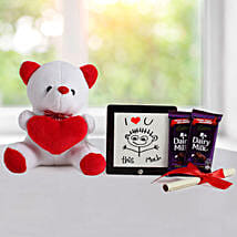 Cute Love Gift: Send Gift Hampers to Kolkata