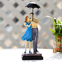 Cute Valentine Day Couple Showpiece: Send Gifts to Jhansi