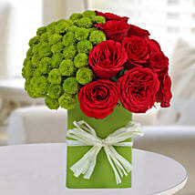 Enticing Red Roses Arrangement: Send Flowers to Noida