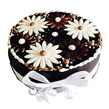 Floral Cake: Send Chocolate Cakes to Pune
