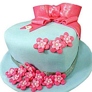 Fondant Hat Cake: Send Birthday Cakes for Sister