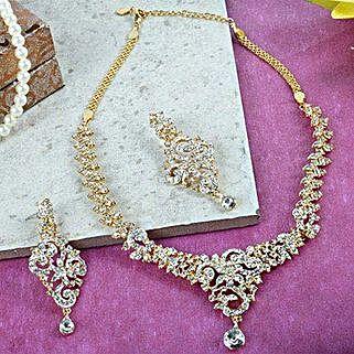 Gliteratti Necklace Set: Accessories