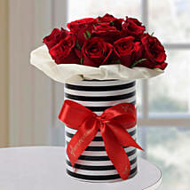 Graceful Roses Arrangement: Fresh Flower Arrangement