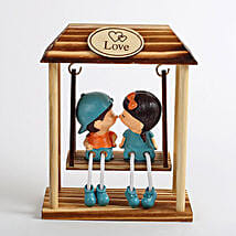 Kissing Love Couple Showpiece: Send Gifts to Udgir