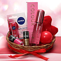 Love Being A Woman: Womens Day Gifts Noida