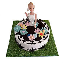Lovely Baby Doll Cake: 1st Birthday Gifts