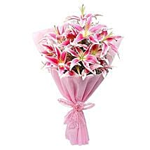 Luxurious Lillies: Anniversary Gifts Panchkula