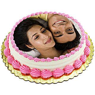 Personalized Creamy Lusciousness: Photo Cakes to Ludhiana
