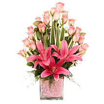 Pink Flowers Vase Arrangement: Mothers Day Gifts Raipur