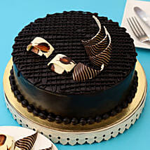 Rich Chocolate Splash Cake: Cakes Delivery in Gandhinagar