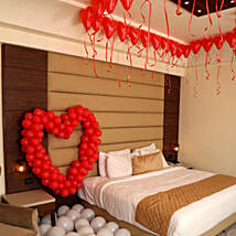 Romantic Balloon Decor: Send Flowers to Uttarkashi