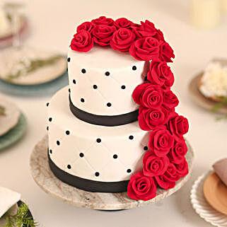 Rose Fondant Cake: