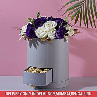 Roses & Lisianthus Box: