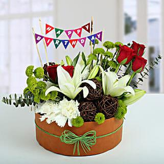Roses N Lilies Vibrant Arrangement: Premium Gifts