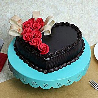 Semi Fondant Heart Cake: Cakes for Valentines Day