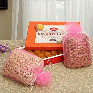 Stunning Hamper: Karwa Chauth Gifts to Bengaluru