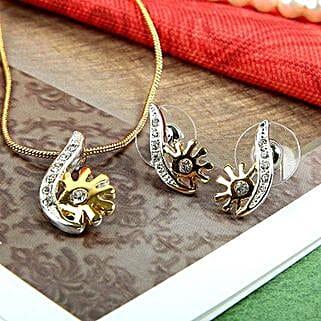 Swanky Pendant Set: Accessories
