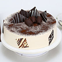 Tiramisu Cake: Send Valentines Day Cakes to Patna