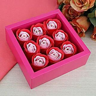 Unique Paper Rose Soaps: Cosmetics & Spa Hampers for Valentine