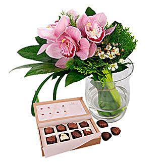 Belgian Chocolates Flowery Bonanza: Send Gifts to George town