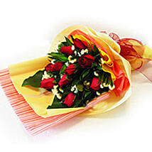 Enchanting Bouquet of Roses: Fathers Day Gifts to Malaysia