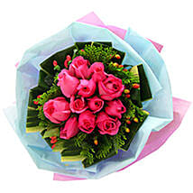 Pink Amazement: Valentines Day Roses Delivery in Malaysia
