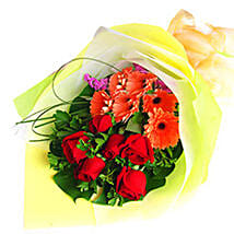 Red Bouquet Of Love: Send Anniversary Flowers to Malaysia