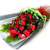 Red Roses with Foliage: Valentine Gift Shopping Malaysia