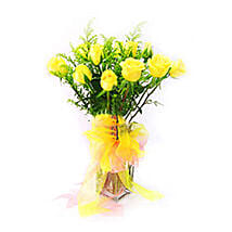 Yellow Roses in Glass Vase: Fathers Day Gifts to Malaysia