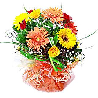 Vivacious Bouquet: Send Romantic Gifts to Mauritius