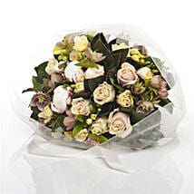 Dreamy Rose Posy: Congratulations Flowers to New Zealand