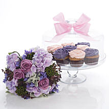 Flowers N Cakes Combo: Romantic Gifts to New Zealand